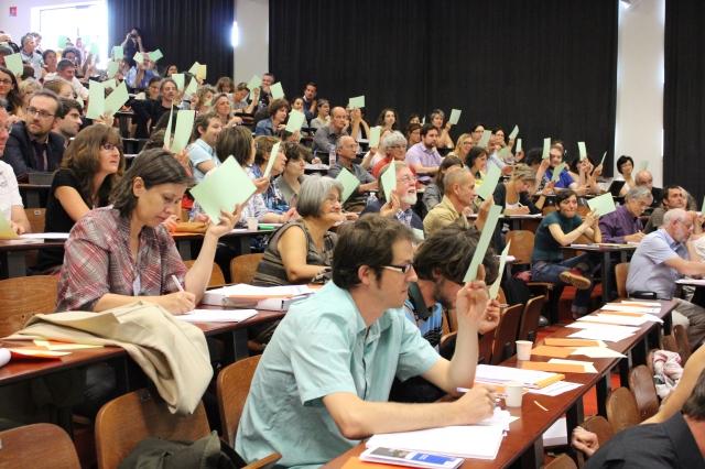 Les 450 participants votaient en direct aux propositions élaborées par les organisateurs après une enquête et une pré-rencontre auprès des développeurs territoriaux.